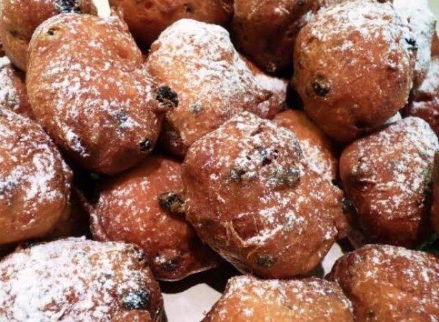 Maandag 30 December : Oliebollen en Appelbeignets verkoop